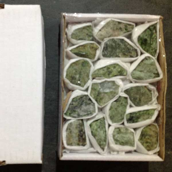 wholesale diopside chunks
